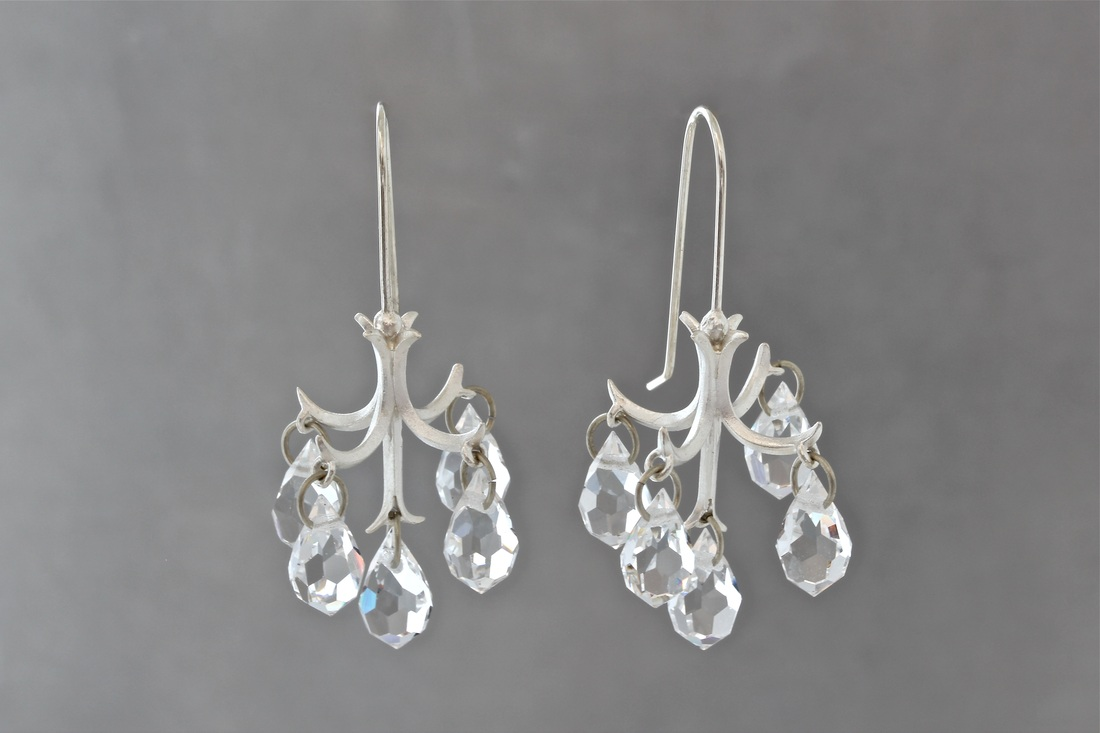 Chandelier Earrings Silver With White Crystals Ch100